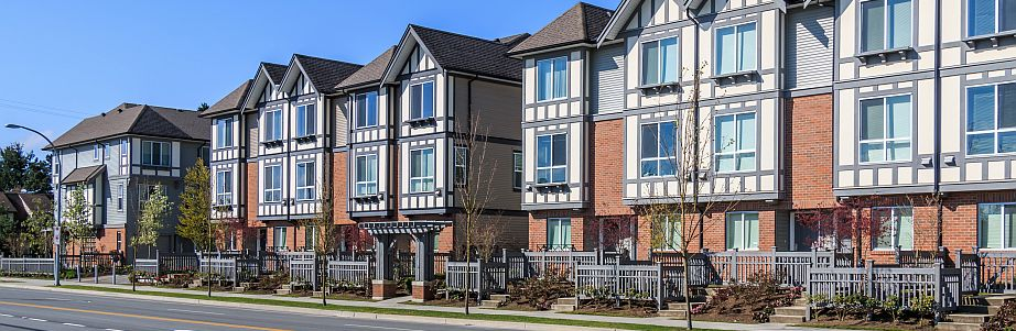 Townhouses for Sale in Mississauga, town homes for sale in Mississauga, freehold, condo townhouses for sale in Mississauga